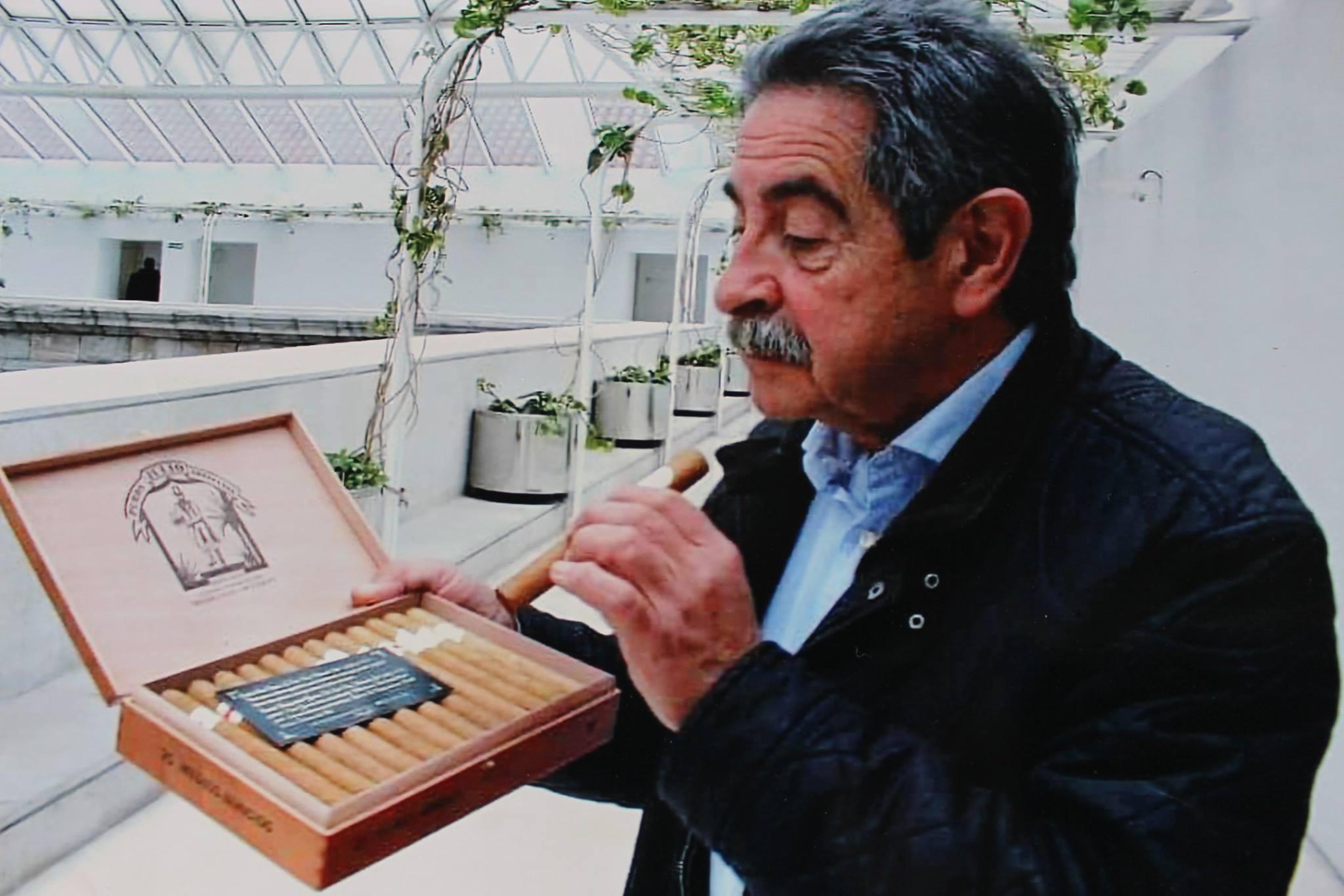 Miguel Ángel Revilla siente admiración por nuestros Puros Palmeros Julio.